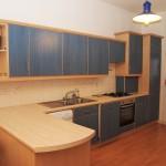 174 Queens Drive South Side Ground Floor Glasgow G42 8QZ Kitchen