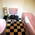 24 Dixon Avenue Govanhill Glasgow G42 8EE Bathroom
