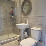 125 Ledard Road South Side Glasgow G42 9QZ Ensuite