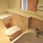 15 Victoria Road Glasgow South Side G42 7AB Bathroom