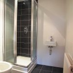 90 London Road City Centre Glasgow G1 5DE En- Suite Bathrom