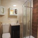 1 Burnfield Gardens Giffnock Glasgow G46 7EB Lounge Bathroom