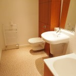335 Glasgow Harbour Terrace 5-1 Glasgow G11 6BN Bathroom