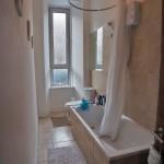 78 Torrisdale Street South Side Glasgow G42 8PH Bathroom
