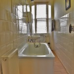 12 Eastwood Crescent Thornliebank Glasgow G46 8NS Bathroom