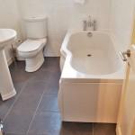 375 Calder Street South Side Glasgow G42 7NU Bathroom