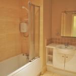 78 Grange Road Battlefield Glasgow G42 9LF Bathroom