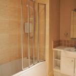 78 Grange Road Battlefield Glasgow G42 9LF Bathroom v3