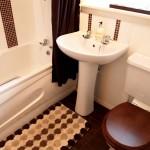 6 Greenlaw Road Yoker Glasgow G14 0PG Bathroom