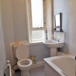 97 Jamieson Street South Side Glasgow G42 7EQ Bathroom