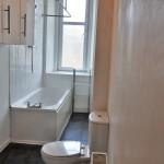 52 Nithsdale Street South Side Glasgow G41 2PY Bathroom