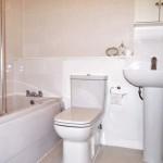 14 Ashvale Crescent Springburn Glasgow G21 1NE Bathroom