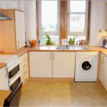 12 Mary Street Paisley Renfrewshire PA2 6JF Kitchen