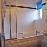 16 Montford Avenue Kings Park Glasgow G44 4PA Bathroom
