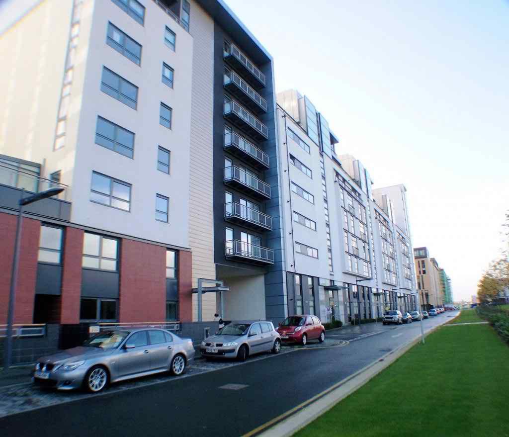 Glasgow Apartments: 335 Glasgow Harbour Terrace 7-1