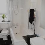 12 Mary Street Paisley Renfrewshire PA2 6JF Bathroom