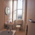 3 Bolton Drive South Side Glasgow G42 9DX Bathroom