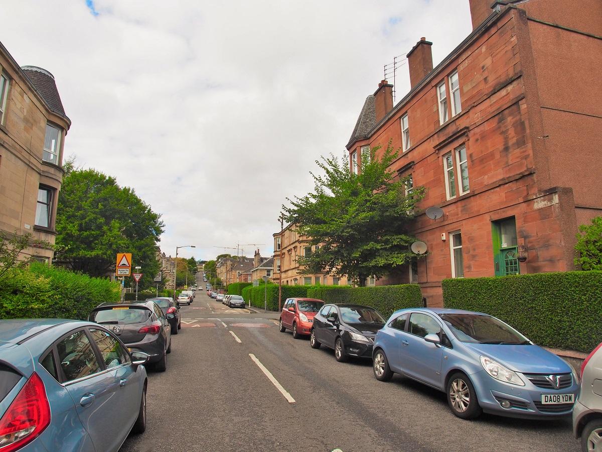 125 Ledard Road South Side Glasgow G42 9QZ