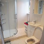 50 Montford Avenue Kings Park Glasgow G44 4PA Bathroom