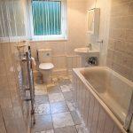 43 Parkneuk Road Mansewood Glasgow G43 2AQ Bathroom