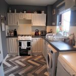60 Blackbyres Court Barrhead Glasgow G78 1UT Kitchen
