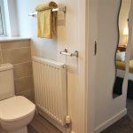 23 Bedford Street South Side Glasgow G5 9RE Bathroom