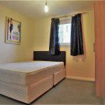 82 Barrland Street South Side Glasgow Lanarkshire G41 1AJ En Suite Bedroom