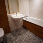 335 Glasgow Harbour Terrace 7-1 Glasgow G11 6BN Bathroom v5